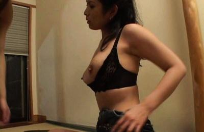 Kinky babe Chinami Sakai rides juicy cock
