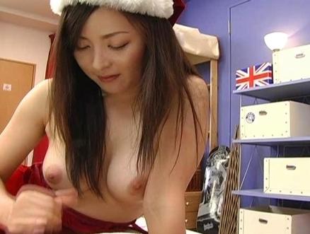 Reo Matsuzaka Lovely Asian model gives great head at parties